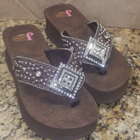 dcaa1b9398d8 Justin Boots Shoes - Women s Justin Ladies Brown Rhinestone Flip Flops